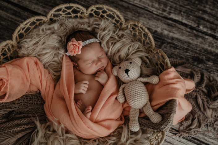 Newborn Fotograf Baby Neugeborenenfotograf Tirol