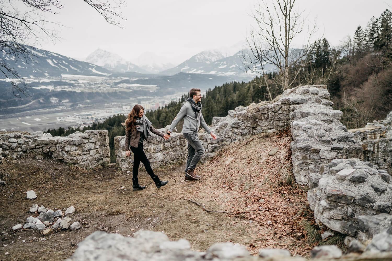 Paarshooting Verlobungsshooting Thaur Tirol Fotograf